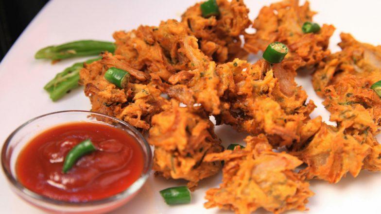 Monsoon Diet Tips: వానలో వేడివేడి పకోడి తింటున్నారా? ఈ వానాకాలంలో తినకూడని పదార్థాలలో అదే మొదటిది.  ఇంకా ఏమేం తినకూడదో తెలుసుకోండి.