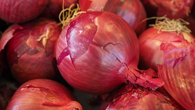 Onion Import: ఉల్లిపై కేంద్రం కీలక నిర్ణయం, విదేశాల నుంచి లక్ష టన్నుల ఉల్లిపాయలు దిగుమతి, నాఫేడ్కు దేశ వ్యాప్తంగా పంపిణీ చేసే బాధ్యతలు అప్పగింత, కేంద్ర మంత్రి రామ్ విలాస్ పాస్వాన్ వెల్లడి