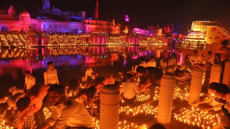 Ayodhya Deepotsav 2019: 6 లక్షల దీపాల వెలుగుల్లో అయోధ్య, గిన్నిస్ రికార్డు సాధించిన అయోధ్య దీపోత్సవం, దీపాలతో వెలుగులు విరజిమ్మిన సరయూ నదీ తీరం