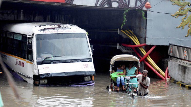 TS&AP Heavy Rain Alert: జలదిగ్భందంలోనే హైదరాబాద్, బతుకమ్మ పండుగ సంబరాలపై వర్షం ఎఫెక్ట్, మరో 3 రోజులు తెలుగు రాష్ట్రాల్లో భారీ వర్షాలు, కొట్టుకుపోయిన మూసీ గేటు, నగర వాసుల బాధలు వర్ణనాతీతం