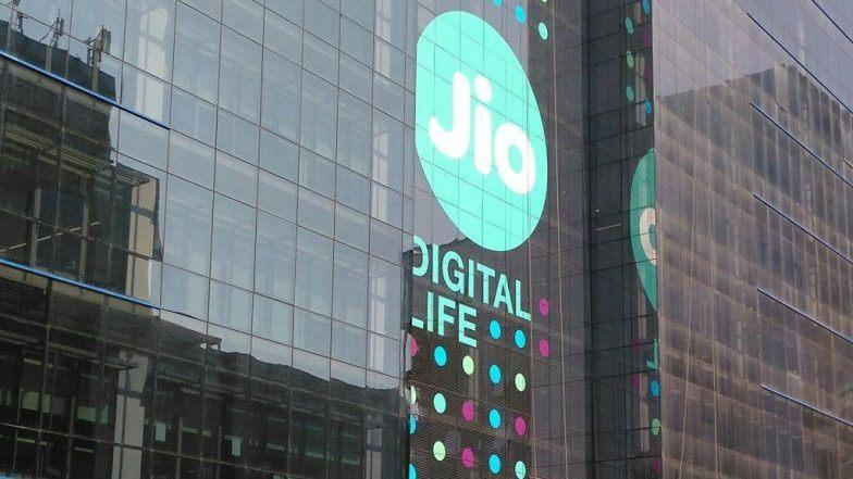 Jio Extends Diwali offer: రిలయన్స్ జియో శుభవార్త, రూ.699కే జియో ఫోన్ ఆఫర్ మరో నెల రోజులు పొడిగింపు, జియో ఫోన్ వాడేవారి కోసం ఆల్ ఇన్ వన్ మంత్లీ ప్లాన్స్