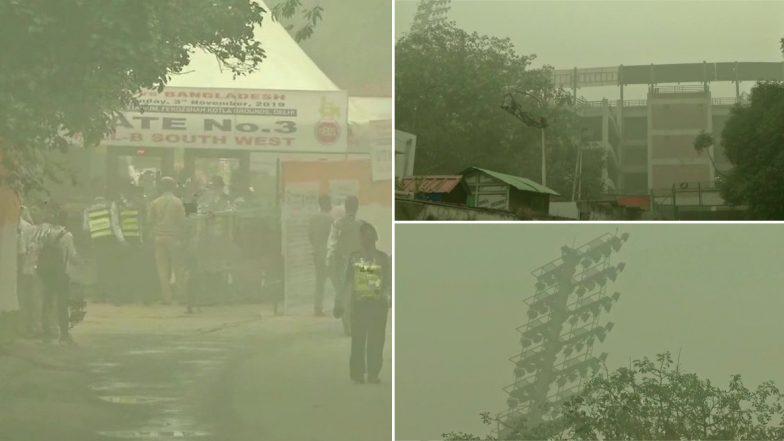 Delhi Air Pollution: ఢిల్లీని కమ్మేసిన వాయు కాలుష్యం, విమానాలపైన ఎఫెక్ట్, 32 విమానాలు దారి మళ్లింపు, ట్విట్టర్ ద్వారా వెల్లడించిన ఐజీఐ-జీఎంఆర్ అధికారులు, రోజురొజుకు తీవ్ర రూపం దాలుస్తున్న వాయు కాలుష్యం
