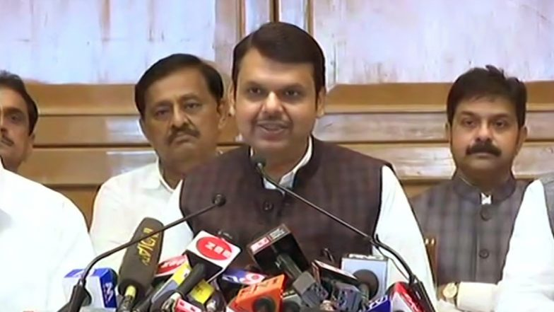 Devendra Fadnavis Quits As MAHA CM: ముఖ్యమంత్రి పదవికి దేవేంద్ర ఫడ్నవిస్ రాజీనామా, కొనసాగుతున్న శివసేన-బీజేపీ పంచాయితీ, తరువాత సీఎం ఎవరనేదానిపై సర్వత్రా ఉత్కంఠ, ఎన్సీపీతో సంజయ్ రౌత్ భేటీ