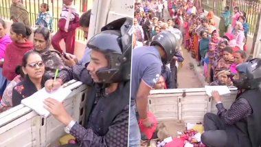 Onion Shortage In Bihar: తలకు హెల్మెట్ ధరించి ఉల్లిపాయల అమ్మకం, దుండుగుల దాడి చేస్తారనే భయంతోనే అంటున్న విక్రేతలు, ప్రభుత్వం తమకు భద్రత ఏర్పాటు చేయలేదని ఆగ్రహం, ఉల్లి కోసం భారీగా క్యూ కట్టిన ప్రజలు