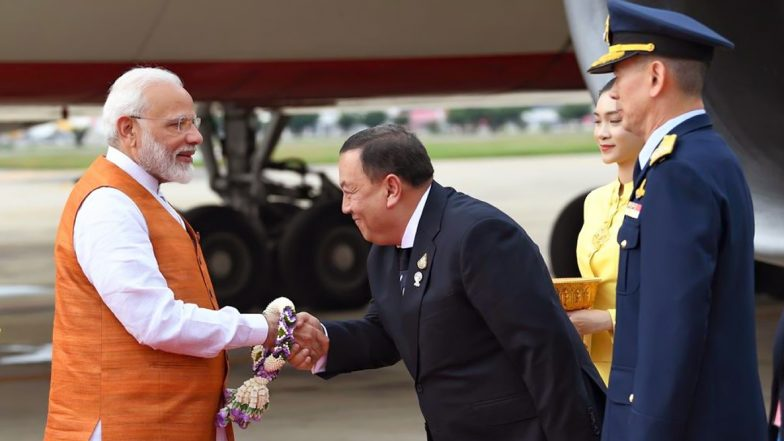 Sawasdee PM Modi: బ్యాంకాక్లో ప్రధాని మోడీకి ఘనస్వాగతం, మూడు రోజుల పాటు టూర్, సవస్దీ పీఎం మోడీలో ప్రధాని ప్రసంగం, థాయ్లాండ్కు ఇది నా మొదటి అధికారిక పర్యటన అంటూ ప్రారంభం