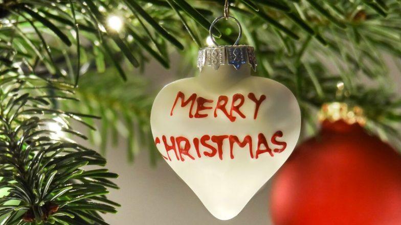 Merry Christmas 2019 Wishes: చల్లని చలికాలంలో నులివెచ్చని అనురాగాలను పంచే ఆనందాల క్రిస్మస్ వచ్చేసింది. వెలకట్టలేని సంతోషాలను మోసుకొచ్చింది. క్రిస్మస్ స్పూర్తిని చాటే  Merry Christmas Images,  WhatsApp Stickers, Xmas Greetings  కోసం ఇక్కడ చూడండి