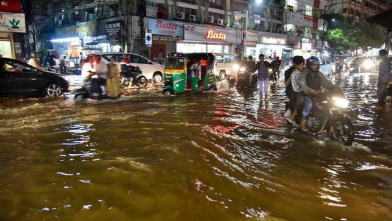 Heavy Rains in Telugu States: తెలుగు రాష్ట్రాలను ముంచెత్తిన భారీ వర్షాలు, వాయుగుండం నేడు తీరం దాటే అవకాశం, మత్స్యకారులు వేటకు వెళ్లొద్దని వాతావరణ కేంద్రం హెచ్చరికలు