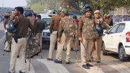 Delhi Violence: 42కి చేరిన మృతుల సంఖ్య, షాక్ నుంచి ఇంకా తేరుకోని ఈశాన్య ఢిల్లీ వాసులు, ధైర్యం చెబుతున్న పోలీసు బృందాలు, హింసాత్మక ఘటనలు జరిగిన ప్రాంతాల్లో పర్యటించిన ఢిల్లీ పోలీస్ చీఫ్