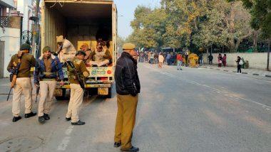 Delhi Violence: ఢిల్లీలో హైటెన్సన్, 33కి చేరిన మృతుల సంఖ్య, 18 కేసులు నమోదు, 106 మంది అరెస్ట్, పరిస్థితి నియంత్రణలోకి వచ్చింది, ఎలాంటి భయం లేదన్న ఢిల్లీ పోలీస్ జాయింట్ కమిషనర్ ఓ పి శర్మ