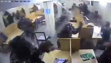 Jamia Violence CCTV Footage: జామియా దాడి వీడియోలు లీక్, పోలీసులు విద్యార్థులపై లాఠీచార్జ్ చేస్తున్నట్లుగా వీడియో, క్రైమ్ బ్రాంచ్కు ట్రాన్సఫర్ అయిన జామియా కేసు