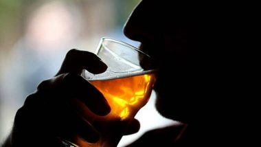 Alcohol Prices Hiked In AP: మందు బాబులకు జగన్ సర్కారు ఝలక్, మద్యం ధరలు మరోసారి పెంపు, మద్యం నియంత్రణ దిశగా ఏపీ ప్రభుత్వం అడుగులు