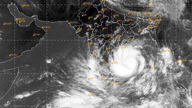 Cyclone Nisarga: పెను తుఫాన్ భయం, వణుకుతున్న మహారాష్ట్ర, గుజరాత్ రాష్ట్రాలు, వందేండ్ల తర్వాత తొలిసారిగా ముంబైపై విరుచుకుపడనున్న నిసర్గ తుఫాన్