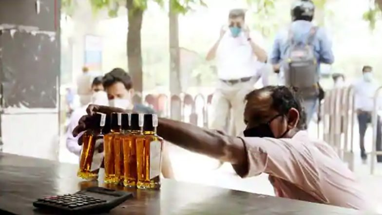 Wine Shop Timings in TS: మందుబాబులకు శుభవార్త, తెలంగాణలో రాత్రి 9.30 వరకు షాపులు ఓపెన్, వివరాలను వెల్లడించిన ఎక్సైజ్శాఖ మంత్రి వి.శ్రీనివాస్గౌడ్