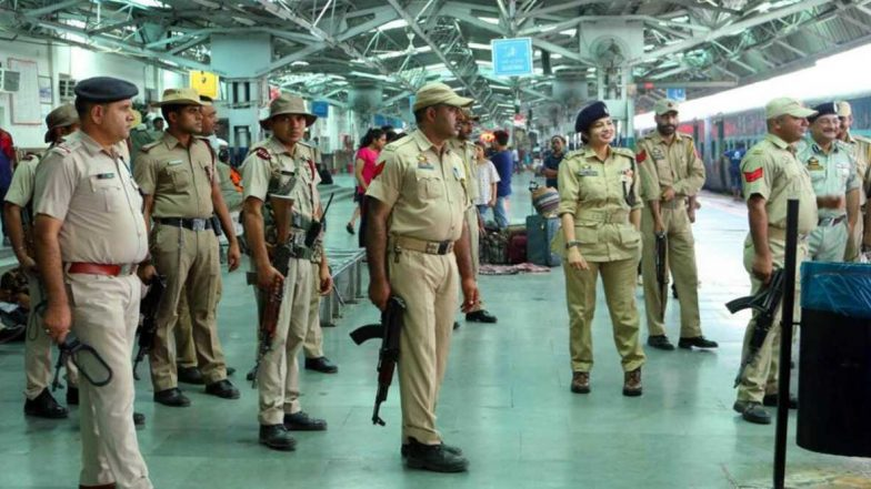 Indian Railways: 54 వేల టికెట్లను జారీ చేసిన రైల్వే శాఖ, రైల్వే స్టేష్టన్లో ఆరోగ్య పరీక్షలు, ప్రతి ప్రయాణీకుల డేటా ఆయా రాష్ట్ర ప్రభుత్వానికి ఇస్తామని తెలిపిన DG RPF Arun Kumar