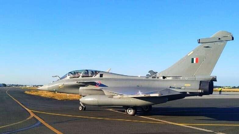 Rafale Fighters Land in India: భారత్కు చేరుకున్న రాఫెల్ యుధ్ధ విమానాలు, ఫ్రాన్స్ నుండి 7,000 కిలోమీటర్ల దూరాన్ని కవర్ చేస్తూ అంబాలా వైమానిక స్థావరానికి చేరుకున్న ఫైటర్స్