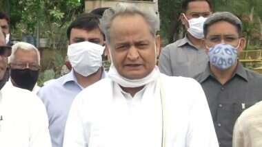 Rajasthan Political Game: గవర్నర్ కేంద్రం ఒత్తిడికి లొంగిపోయాడు, తాడో పేడో తేల్చుకుంటామని తెలిపిన ఆశోక్ గెహ్లాట్, సుప్రీంకోర్టులో పైలెట్ వర్గానికి ఊరట, కేంద్రంపై విరుచుకుపడిన రాజస్థాన్ సీఎం