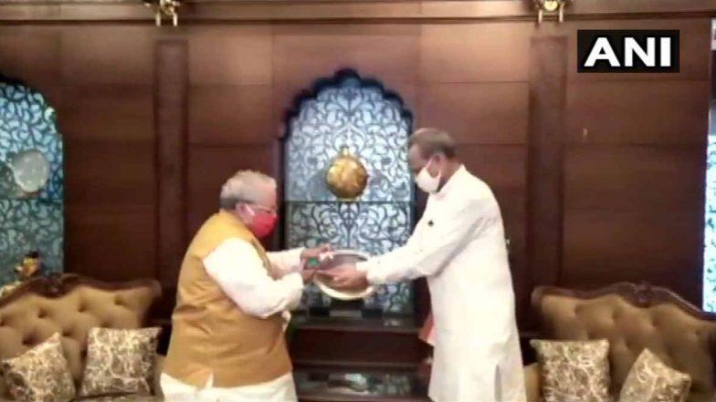 Rajasthan Political Drama: కరోనాపై చర్చ కోసం అసెంబ్లీ సమావేశాలు ఏర్పాటు చేయమన్న సీఎం అశోక్ గెహ్లాట్, మరింత సమాచారం కావాలని కోరిన గవర్నర్, సుప్రీంలో వేసిన పిటిషన్ను ఉపసంహరించుకున్న స్పీకర్