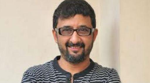 Director Teja Tests Corona Positive: దర్శకుడు తేజకి కరోనా పాజిటివ్, అందరూ ఇంట్లో ఉండి కరోనా తెచ్చుకుంటే నేను షూటింగ్కు వెళ్లి కరోనా తెచ్చుకున్నా అంటూ వీడియో