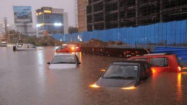 Hyderabad Rains: హైదరాబాద్లో వర్ష బీభత్సం, రికార్డ్ స్థాయి వర్షపాతంతో నీట మునిగిన భాగ్యనగరం, గత వందేళ్లలో ఇది రెండో సారి, అర్ధరాత్రి అత్యవసరంగా సమీక్షించిన సీఎం కేసీఆర్