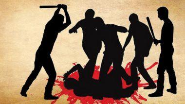 Ghaziabad Shocker: అందరూ చూస్తుండగా నడిరోడ్డు మీద చంపేశారు, చోద్యం చూస్తూ నిలబడిన బాటసారులు, ఉత్తరప్రదేశ్లో దారుణ ఘటన, కేసు నమోదు చేసి దర్యాప్తు చేస్తున్న యూపీ పోలీసులు