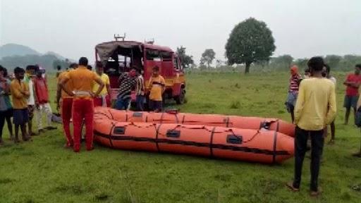 Boat Capsize in Sileru Reservoir: ఘోరం విషాదం..సీలేరు రిజర్వాయర్లో రెండు నాటు పడవలు బోల్తా, చిన్నారి మృతి, ఎనిమిది మంది గల్లంతు, గాలింపు చర్యలు ముమ్మరం చేసిన అధికారులు