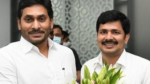 Tirupati By Elections Results 2021: తిరుపతిలో 2019 రికార్డు బ్రేక్, 2 లక్షల 70 వేల 584 ఓట్ల మెజార్టీతో గెలిచిన వైసీపీ అభ్యర్థి గురుమూర్తి, ఫ్యాన్ ధాటికి రెండు, మూడు స్థానాలకే పరిమితం టీడీపీ, బీజేపీ-జనసేన