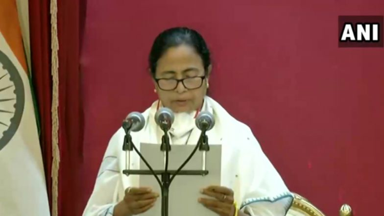 Mamata Banerjee Swearing-in Ceremony: పశ్చిమ బెంగాల్ ముఖ్యమంత్రిగా మమతా బెనర్జీ ప్రమాణ స్వీకారం, బెంగాలీలో ప్రమాణస్వీకారం చేసిన దీదీ, కొత్తగా ఎన్నికైన సభ్యులు మే 6 న అసెంబ్లీలో ప్రమాణ స్వీకారం