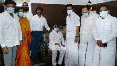 CM Stalin Meets Vijayakanth: విజయకాంత్ ఇంటికి సీఎం ఎంకే స్టాలిన్, 15 నిమిషాల పాటు కెప్టెన్తో గడిపిన తమిళనాడు ముఖ్యమంత్రి, కరోనా నివారణ నిధికి రూ. 10 లక్షల చెక్కును సీఎంకు అందజేసిన విజయకాంత్