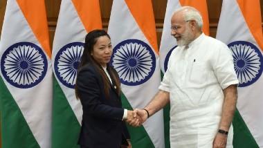 PM Modi Congratulates Mirabai Chanu: రజతం సాధించిన మీరాబాయికి ప్రధాని మోదీ అభినందనలు, ఆమె విజయం ప్రతి భారతీయుడిలో నూతనోత్సాహం నింపుతుందంటూ ట్విట్టర్లో ట్వీట్