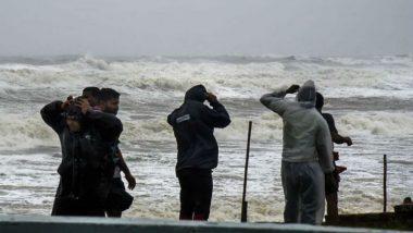 Cyclone Gulab: తెలుగు రాష్ట్రాలకు రెడ్ అలర్ట్, అవసరమైతే బయటకు రావాలని ఐఎండీ సూచన, గులాబ్ తుపాన్ ప్రభావంతో రెండు రాష్ట్రాల్లో భారీ వర్షాలు