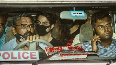Aryan Khan Drugs Case: 4 ఏళ్ళ నుంచి డ్రగ్స్ మత్తులో ఉన్నా, యూకే, దుబాయ్, ఇతర దేశాల్లో ఉన్నప్పుడు కూడా డ్రగ్స్ తీసుకున్నా, ఎన్సీబీ అధికారుల విచారణలో ఆర్యన్ ఖాన్