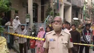 ఢిల్లీలో భారీ అగ్నిప్రమాదం, నలుగురు అగ్నికి ఆహుతి